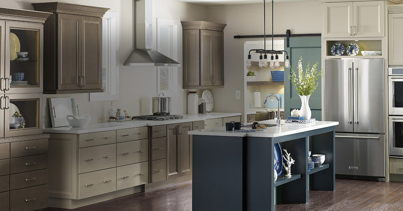 diamond kitchen cabinets lowes at lowe s 14710