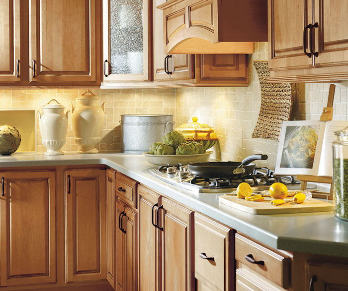 Maple Cabinets In Traditional Kitchen: Vancouver Maple Palomino Artisan Glazing